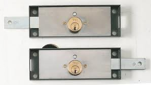 The locks fitted as standard on shutters are generally easily vulnerable to attack.