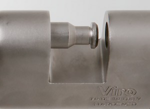 The Viro Monolith has an lock-bolt with a diameter of 13 mm.