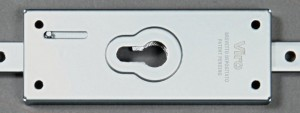 The Viro 8270 Series locks can be fitted with any type of cylinder or half cylinder with a European profile, thereby enabling any system of master keys to be created with other existing cylinders.