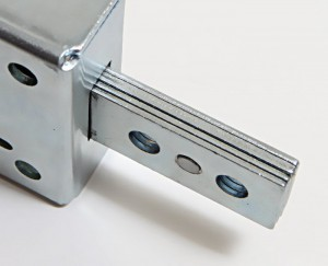 The dead-bolts of the 8210 Series armoured locks are 7 mm thick, in order to effectively withstand any attempts to break in.