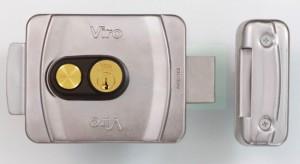 V9083-bottone